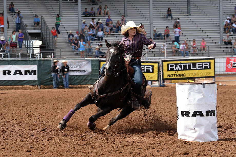 Midland's Skyler Dunn competes at the 2017 International Finals Youth Rodeo. Photo courtesy of IFYR/RodeoBum.com / RODEOBUM.COM