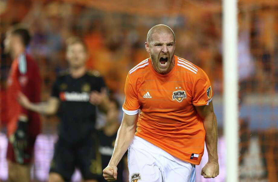 The Dynamo's Philippe Senderos was a stalwart on defense, but his best contribution was his game-tying header Tuesday night. Photo: Godofredo A. Vasquez, Houston Chronicle / Houston Chronicle / Godofredo A. Vasquez