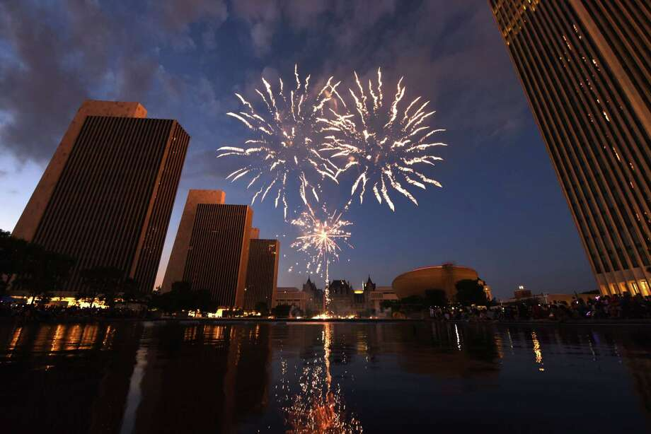 It's time for fireworks to light up the sky and music to fill the air. Click through the slideshow for 25 things to do this (extra-long) weekend. Photo: Will Waldron, Albany Times Union / 20044227A