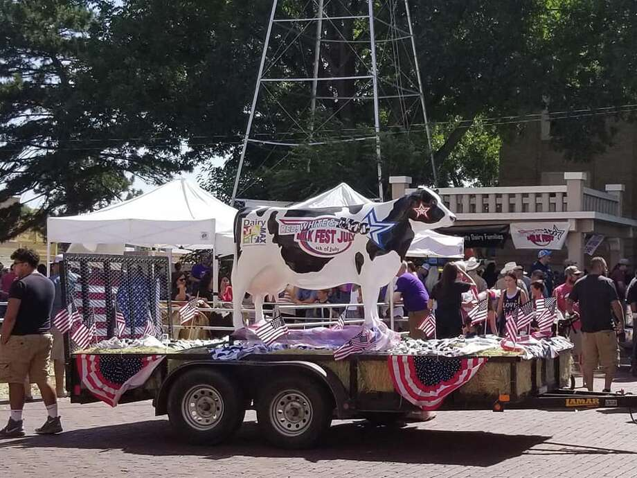 The Red, White & Moo Freedom Parade & Milk Fest, along with various other activities, was held on Wednesday, July 4, on the Courthouse lawn in downtown Plainview. Photo: Carmen Ortega/Plainview Herald