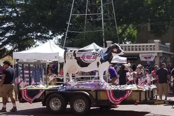 The Red, White & Moo Freedom Parade & Milk Fest, along with various other activities, was held on Wednesday, July 4, on the Courthouse lawn in downtown Plainview.