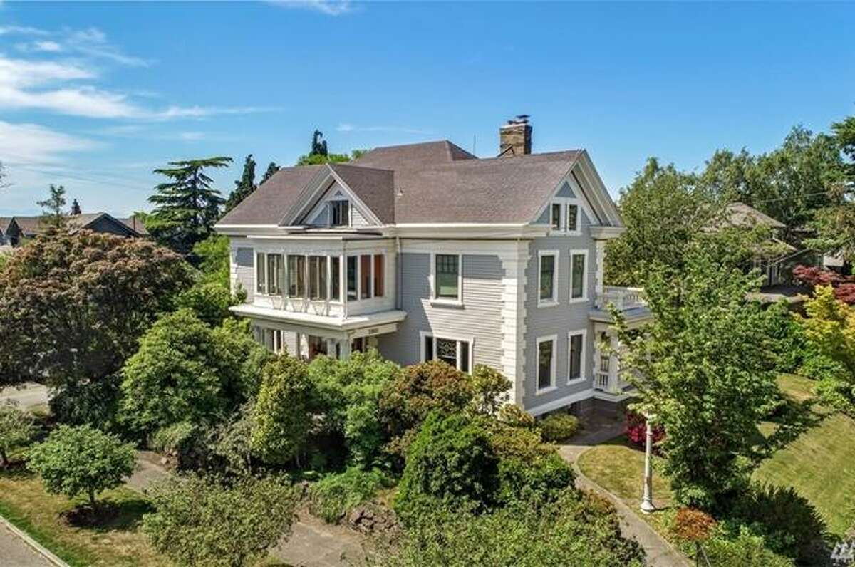 2801 Broadway E, Seattle, WA 98102 listed for $2,995,000. See full listing below.