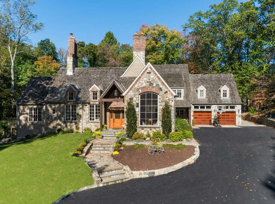 A Stamford home on High Ridge Road listed for sale in April by William Pitt Sotheby's International Realty, one of about 760 new listings to hit the market during the second quarter of 2018 to lead southwestern Connecticut. Photo: Joseph Narcisse / Contributed Photo / Stamford Advocate Contributed