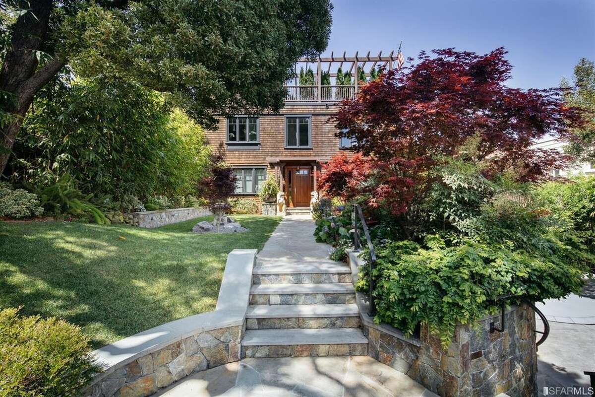 A secret hilltop estate at 1266 Washington St. in Nob Hill is known as the Historic Boggs-Shenson House.