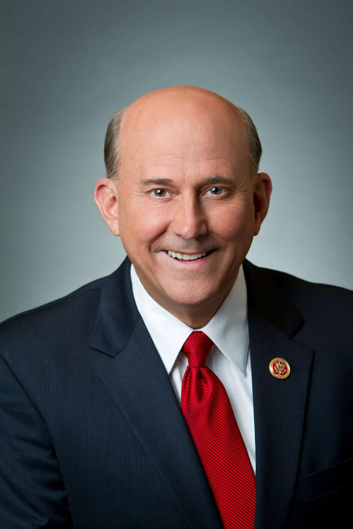 What getting elected Representative pays: $174,000/year Texas District 1 race Campaign contributions raised: Louie Gohmert, R: $569,033 Shirley McKellar, D (not pictured): $26,539