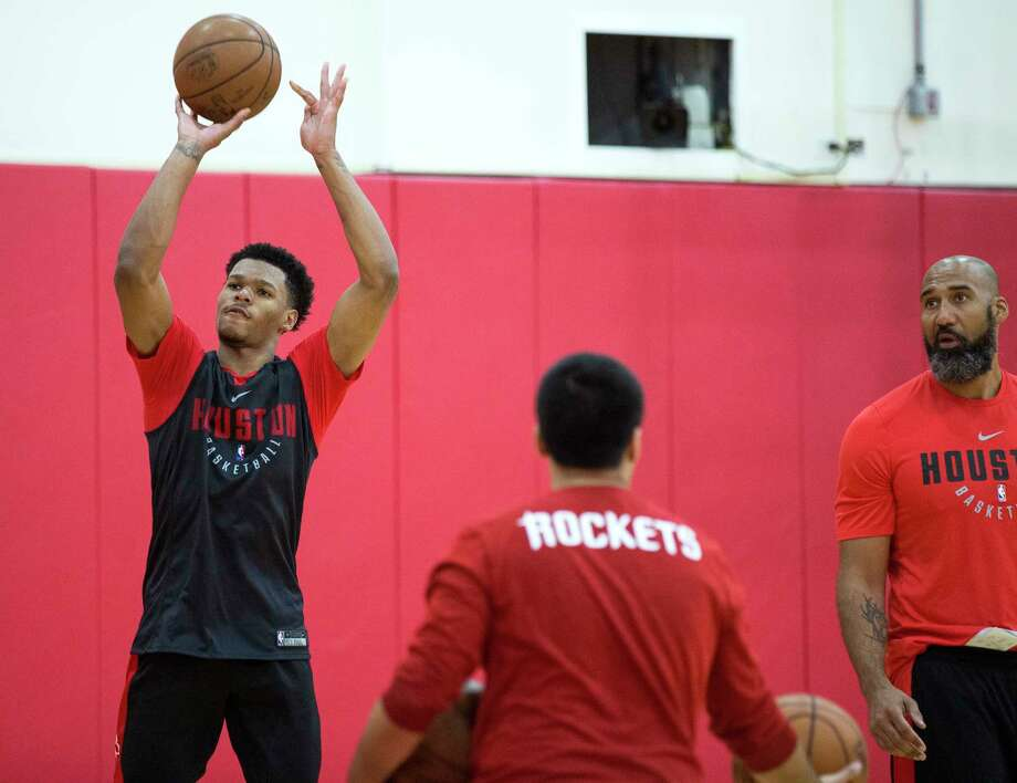 Trevon Duval had a solid debut for the Rockets in their Summer League opener, scoring 20 points in 23 minutes. Photo: Brett Coomer, Houston Chronicle / © 2018 Houston Chronicle