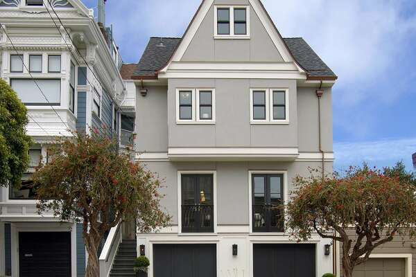 2208-2210 Broderick St. in Pacific Heights is a fully updated five-bedroom near Fillmore Street and Alta Plaza Park.