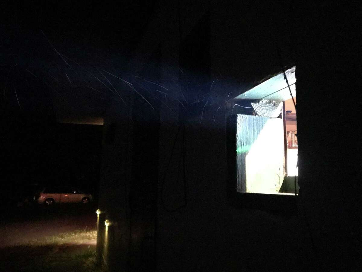 Light from the projection booth at the Greenville Drive-In (photo by Amy Biancolli)