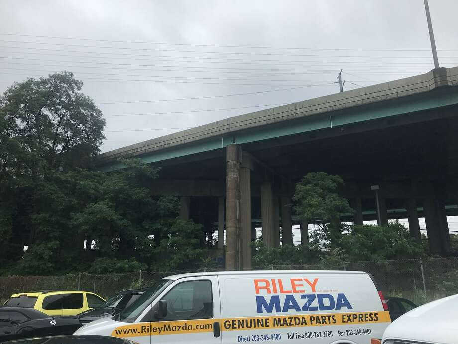 The Myrtle Avenue overpass where a suspect jumped to escape state police who were pursuing him on a high speed chase on Interstate-95. The man survived the 70-foot fall unscathed. Photo: John Nickerson / Staff