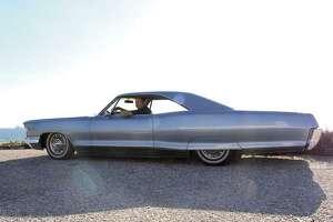 Johnny Steur's 1965 Pontiac Bonneville is a 389 engine-equipped, factory tri-power car. (Photo by Heidi Van Horne)