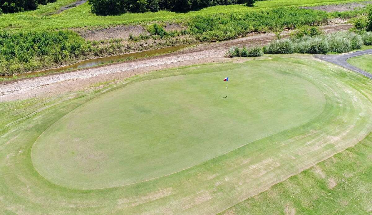 Drone photo of the green on hole 6 at Brentwood - Country Club of Texas.