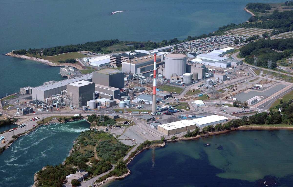 FILE PHOTO -- Morgan Kaolian AEROPIX 9/07/06 -- Millstone Nuclear Power Station in Waterford, Conn.