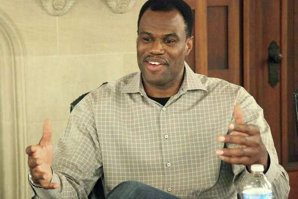David Robinson will be honored for his charity and philanthropy July 17 at the Sports Humanitarian Awards presented by ESPN.