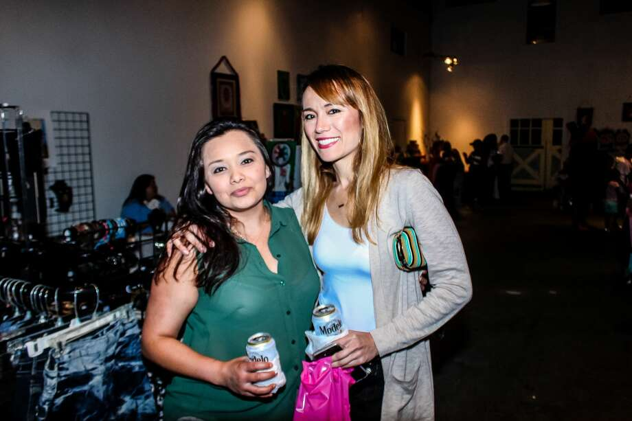 Fans of iconic Mexican artist Frida Kahlo came out to Brick at Blue Star to celebrate and recognize the renowned cultural figure July 7, 2018. Kahlo was born July 6, 1907, and died July 13, 1954. Photo: Jason Gaines For MySA.com