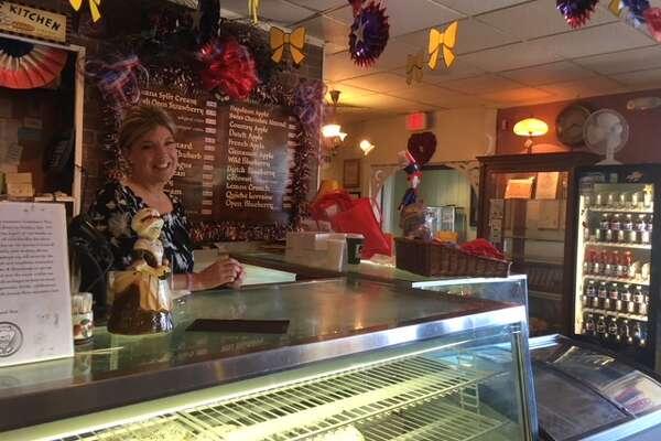 Fans flock to get last taste of Grandma's Pies in Colonie