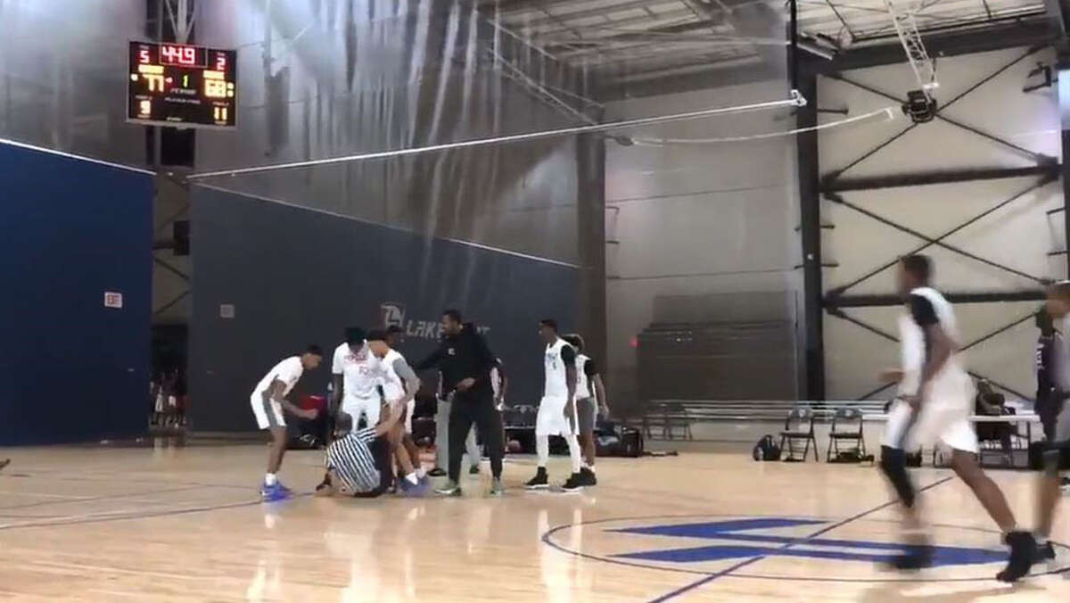 SCREENGRAB: A youth basketball game in Georgia between the Houston Raptors and Chicago's R.A.W. Athletics ended in a brawl Sunday that involved players and referees.