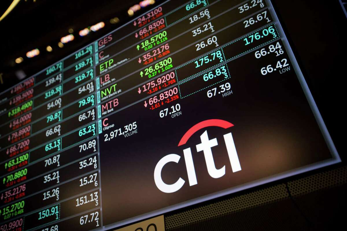 A monitor displays Citigroup Inc. signage on the floor of the New York Stock Exchange (NYSE) in New York, U.S., on Tuesday, May 29, 2018. Stocks declined, while Treasuries and the dollar rallied as the escalating political crisis in Italy engulfed markets. Photographer: Michael Nagle/Bloomberg