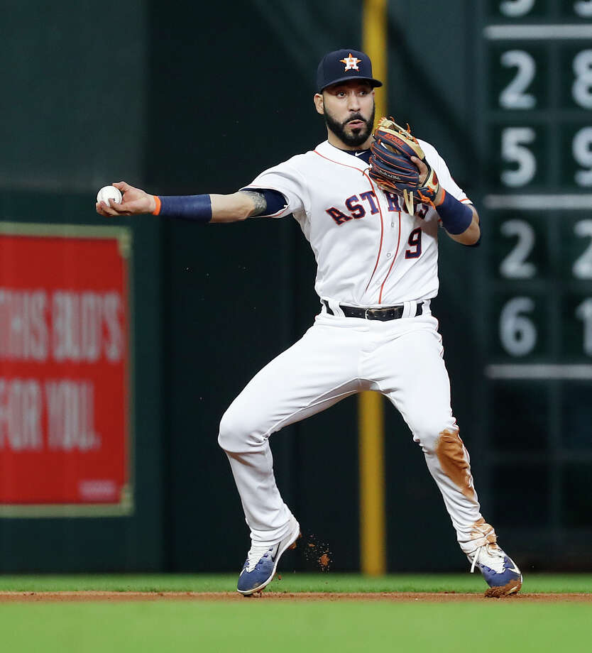 Houston Astros Marwin Gonzalez (9) fields  Oakland Athletics Marcus Semien's ground out during the seventh inning of an MLB game at Minute Maid Park, Monday, July 9, 2018, in Houston. Photo: Karen Warren, Houston Chronicle / © 2018 Houston Chronicle