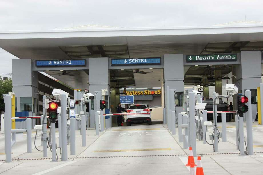 In this file photo, the SENTRI lane at a border crossing is shown. Photo: Foto De Cortesía /CBP