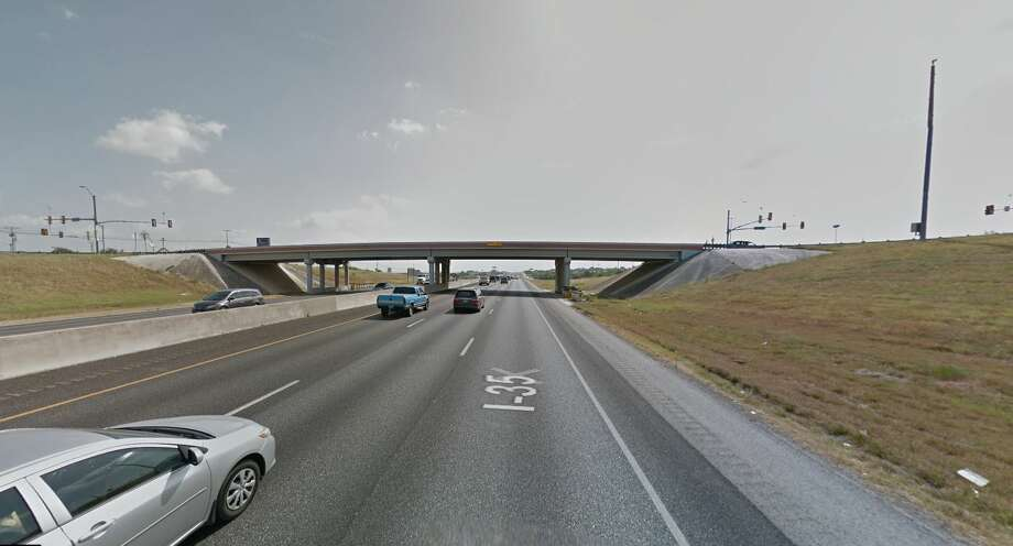 The main lanes of Interstate 35 will be shut down beginning at 9 p.m. Saturday, July 14, 2018, as crews work to demolish the FM 1103 bridge. Photo: Google Maps