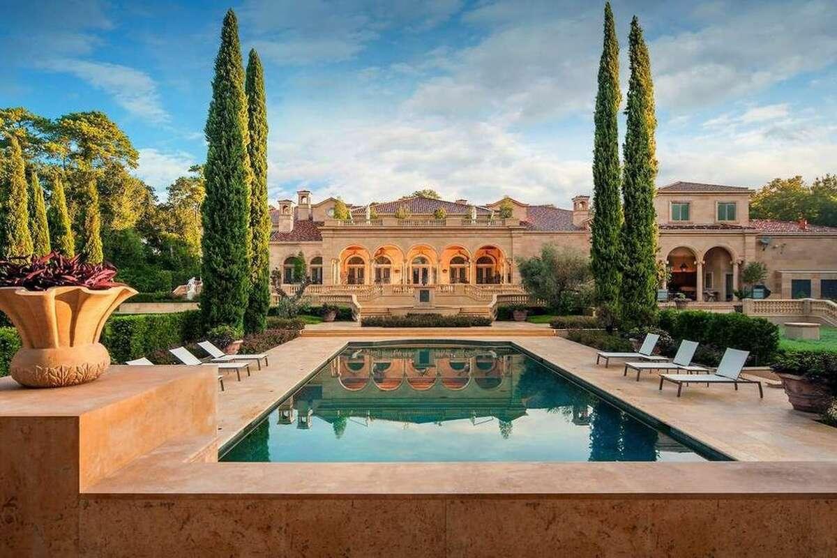 100 Carnarvon Dr, Houston, TX 77024Price:$29,999,999Size:26,401 square feet/2.33 acres lot