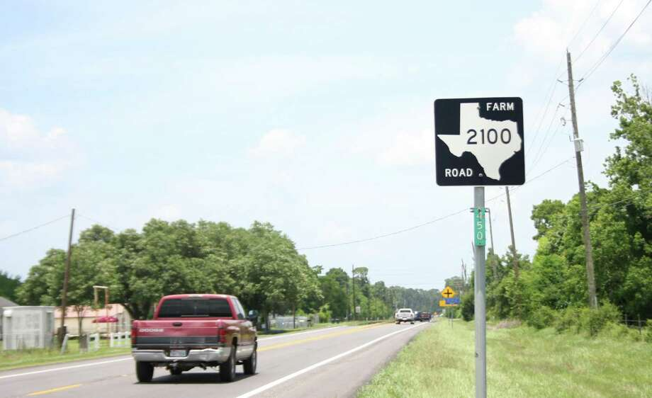 A Texas Department of Transportation representative said Thursday that plans for improving the FM 2100 corridor are underway. Photo: Nate Brown / The Observer / The Observer