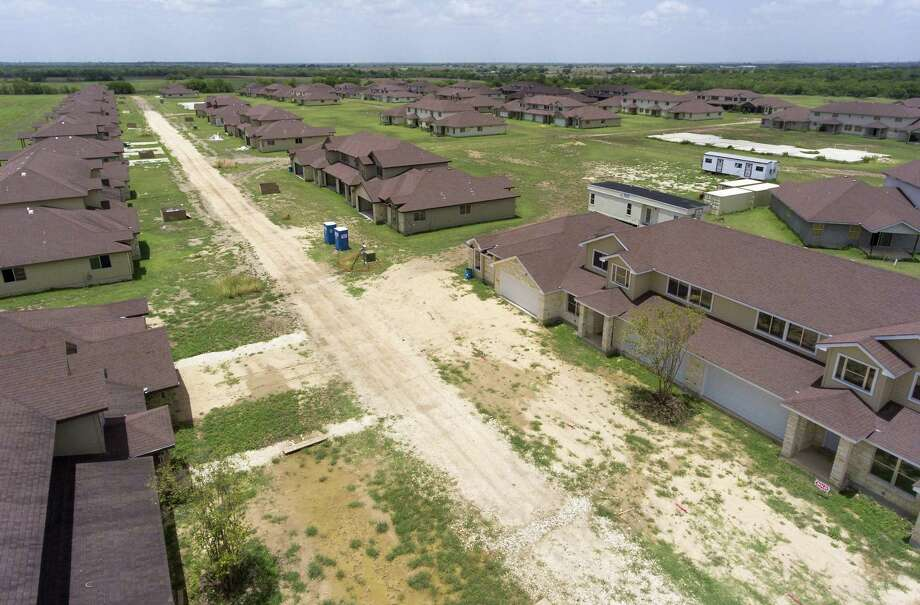The former Tundra Town Home Village project at 18496 Texas 16 on the South Side, now called the Palo Alto Villas, is seen in an aerial image Tuesday, July 10, 2018. Photo: William Luther /San Antonio Express-News / © 2018 San Antonio Express-News