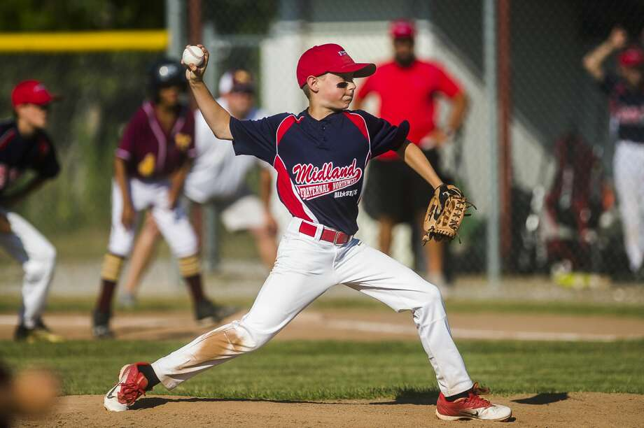 Fraternal Northwest's Jackson Larson pitches the ball during a game against Union Township on Tuesday, July 10, 2018 in Midland. (Katy Kildee/kkildee@mdn.net) Photo: (Katy Kildee/kkildee@mdn.net)