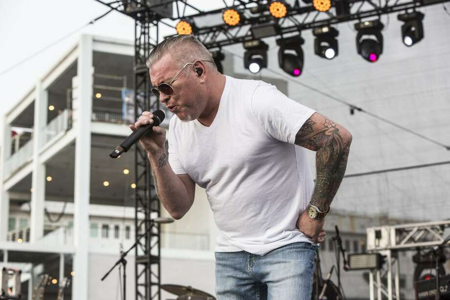 Lead singer Steve Harwell returns with Smash Mouth for the band's annual free shows at the Santa Cruz Beach Boardwalk starting July 13. Photo: Harmony Gerber/Getty Images 2017 / 2017 Harmony Gerber