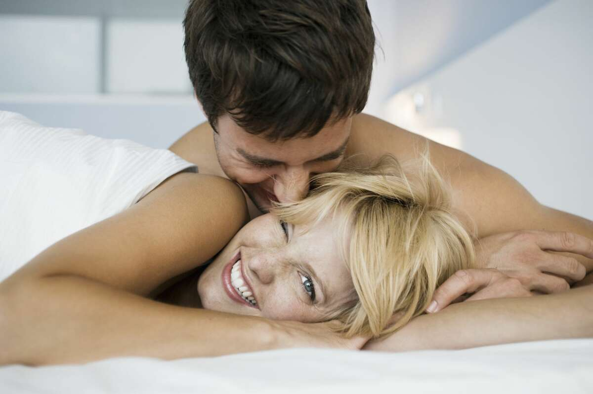 A woman want to rekindle an old flame.