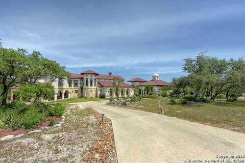 Foreclosure auction for Carlos Uresti's San Antonio-area