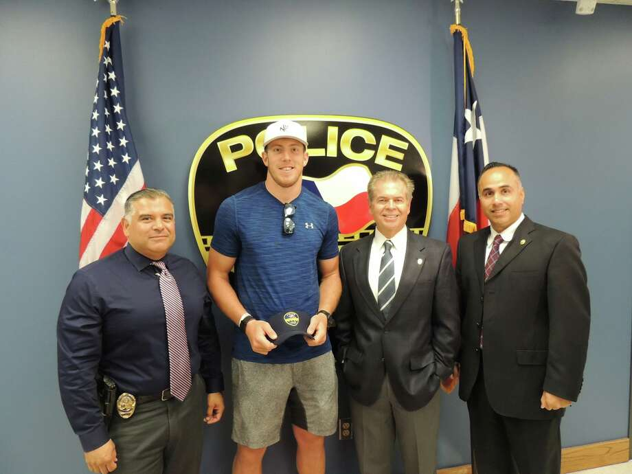 The Laredo Police Department had a surprise visit by Dallas Cowboy tight end Blake Jarwin on Tuesday. Photo: Laredo Police Department