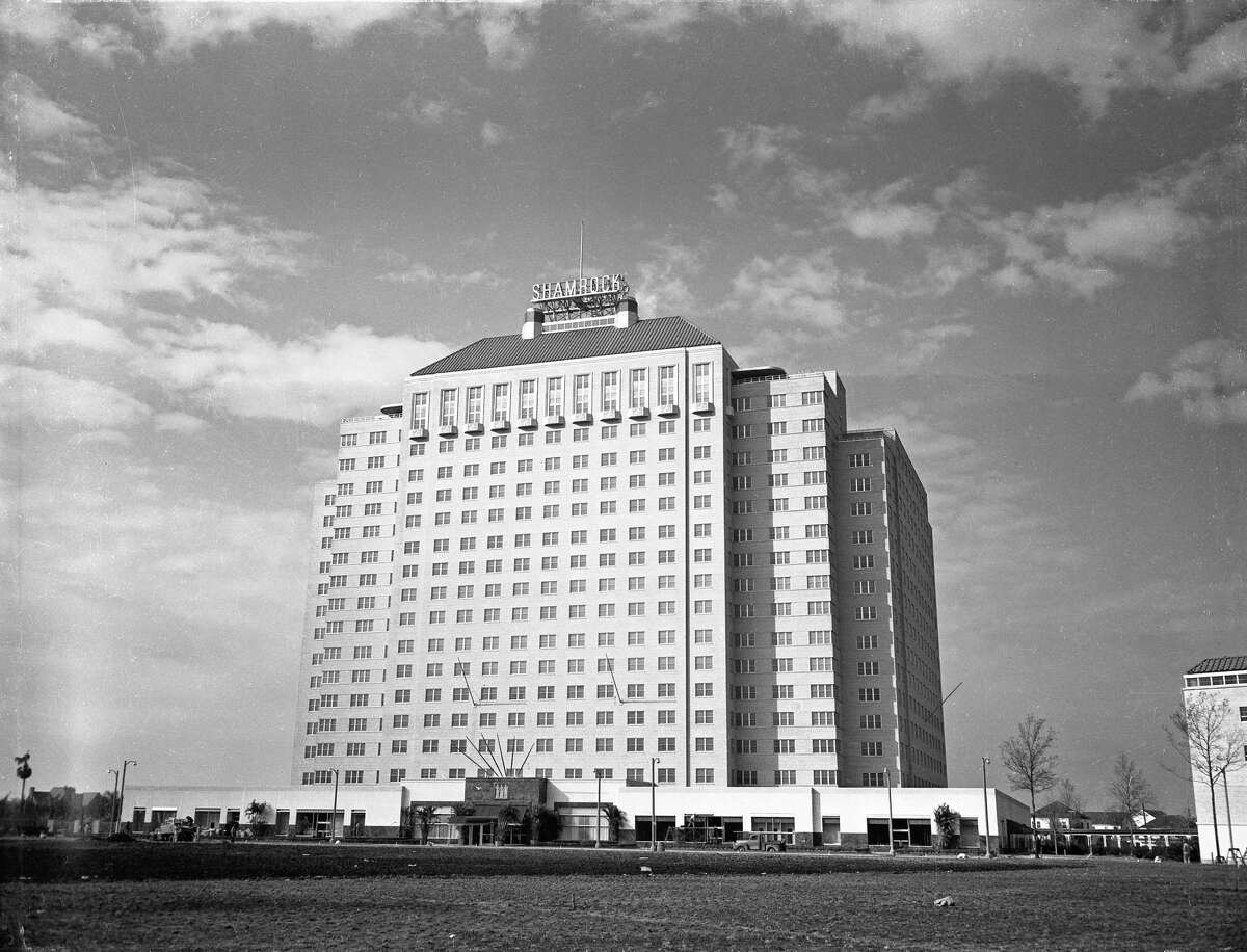 Shamrock Hotel, ready for it's grand opening in 1949. Built by larger-than-life Texas oilman Glenn McCarthy, it was the naturally the largest hotel built in the United States in the post-war era between 1946 and 1949. Set upon 15 acres of land near Main and Holcombe, the $21 million, 18-story, 1,100-room hotel was a tropical resort in the middle of muggy, sweaty Houston.