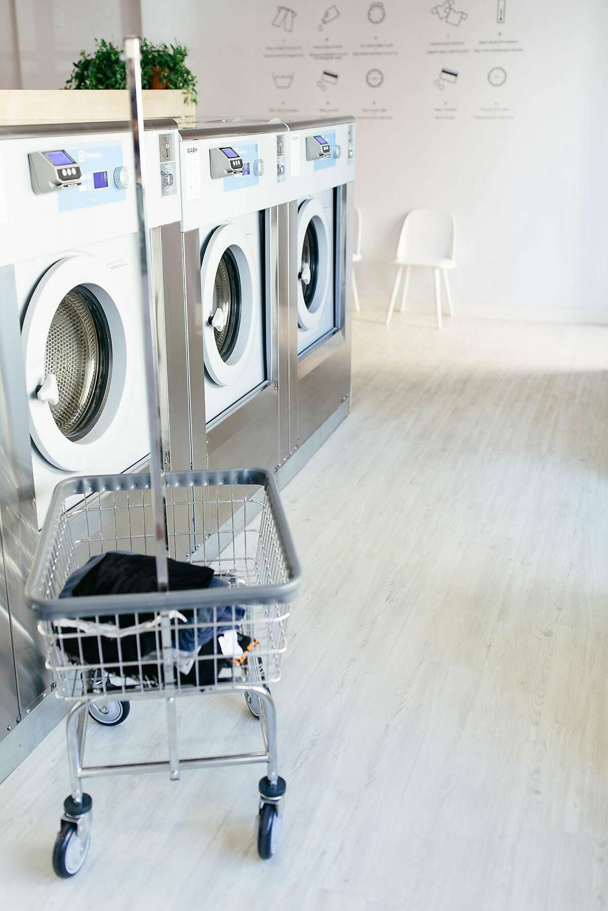 Since opening in the Mission in 2017, Laundré took it upon itself to elevate the dated Laundromat by combining a cafe serving usual suspects (chia pudding, avocado toast) with a fleet of modern washers and dryers. It announced Monday that its café will close following community controversy and high utility prices.