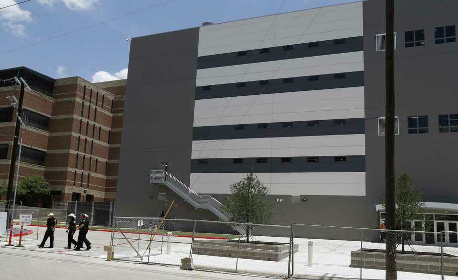 Bexar County's new Justice Intake and Assessment Center has some design flaws, but these can be remedied. so Taxpayers don't want to pay for two centers. Photo: Ronald Cortes /Contributor / 2018 Ronald Cortes