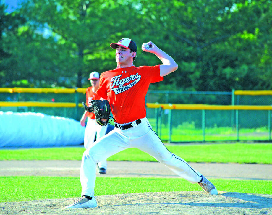 Edwardsville's Carson Krapf delivers a pitch during the second inning of Tuesday's game against St. Louis Recruits 15U at Tom Pile Field. Krapf tossed three hitless innings. Photo: Scott Marion