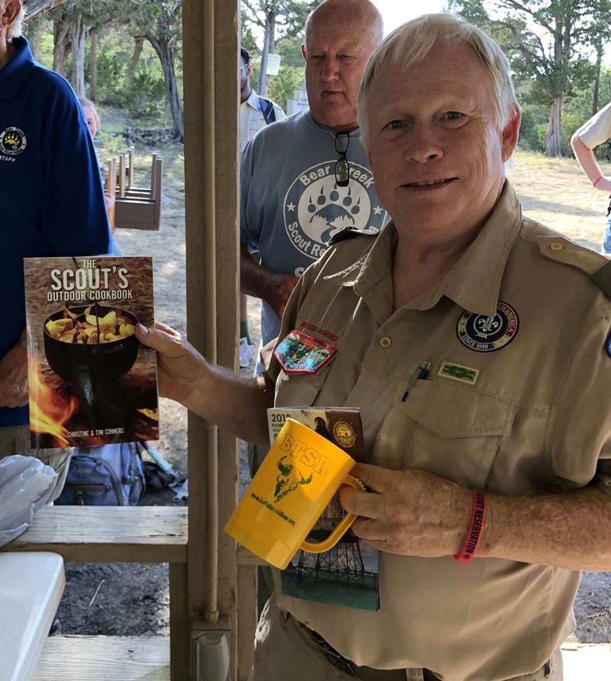 Robert Balfour receives his first place prize for his Dutch oven cobbler.