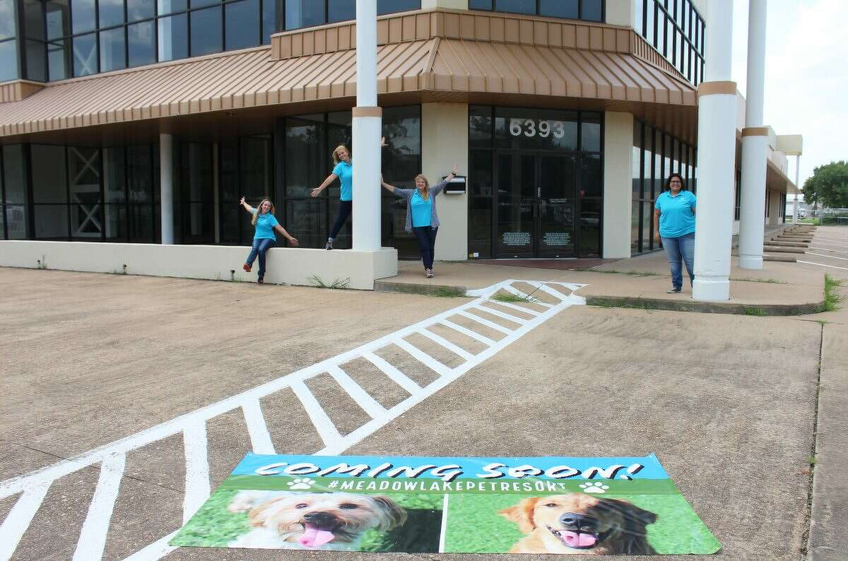 Meadowlake Pet Resort & Training Center plans to open a second pet resort in the fall of 2018 at 6393 Richmond. It will offer lodging, daycare, training and grooming.