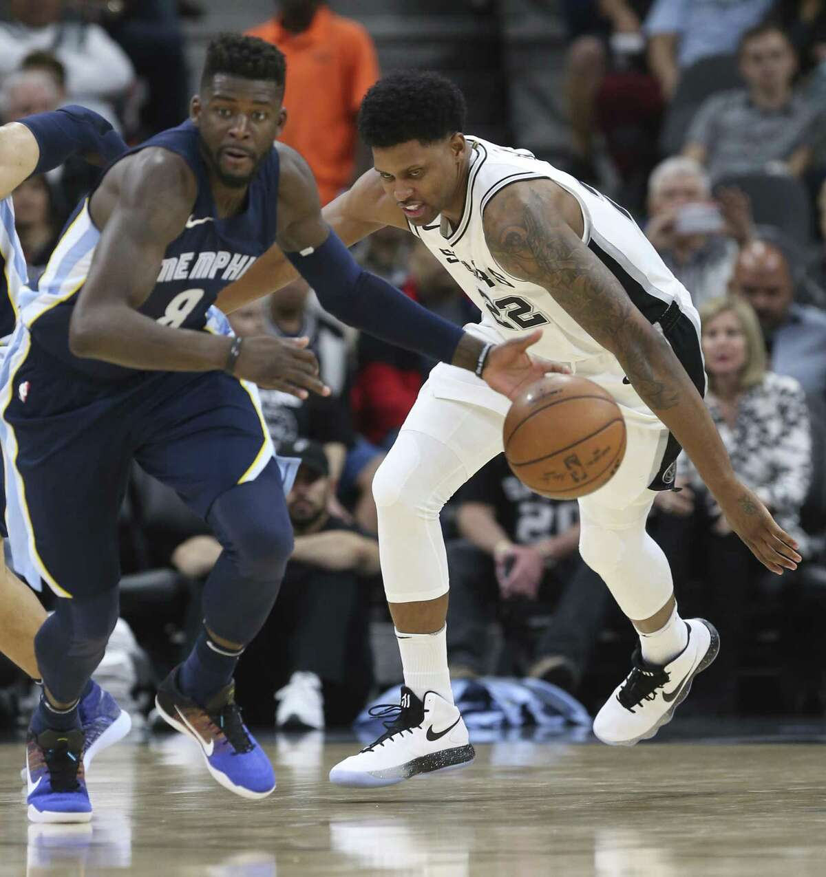 San Antonio Spurs?' Rudy Gay chases Memphis Grizzlies?' James Ennis III during the second half at the AT&T Center, Wednesday, Nov. 29, 2017. The Spurs won 104-95.