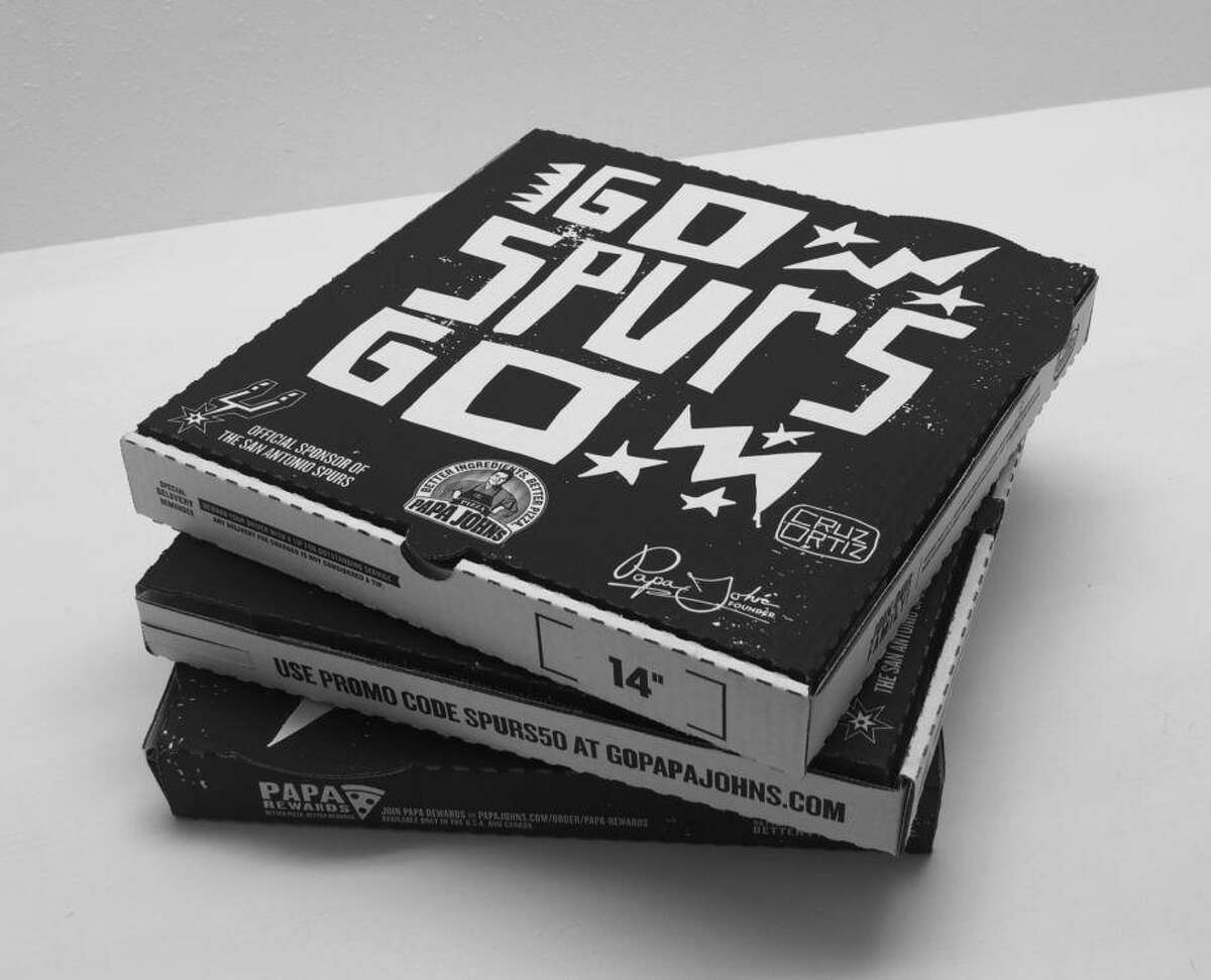 Cruz Ortiz began designing special Spurs-themed boxes for Papa John's pizza in 2015.