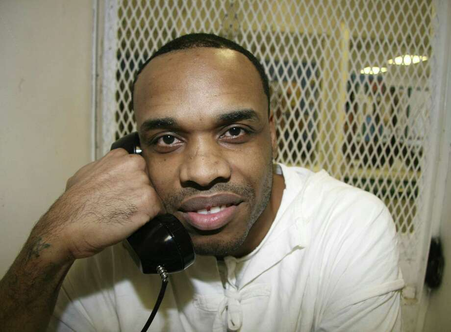 In 12 years on death row, Christopher Young has become a loving father, a mentor to  kids caught up in gang violence as he was, and a person who takes responsibility for the pain he has caused. His execution would only create more broken lives. Photo: Mike Graczyk /Associated Press / Copyright 2018 The Associated Press. All rights reserved.