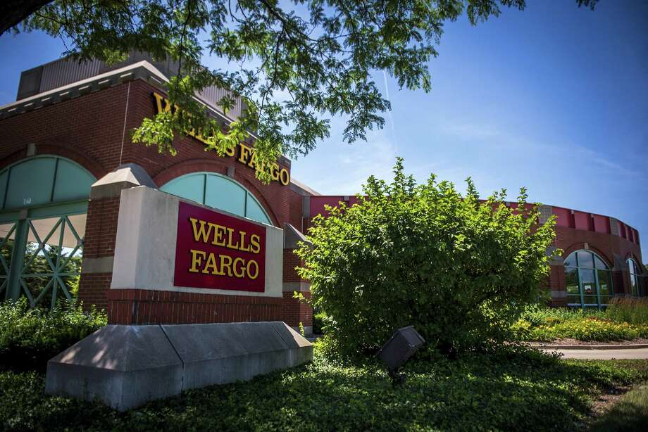 A Wells Fargo & Co. bank branch stands in Schaumburg, Illinois, U.S., on Tuesday, July 10, 2018. Wells Fargo & Co. is scheduled to release earnings figures on July 13. Photographer: Christopher Dilts/Bloomberg Photo: Christopher Dilts / © 2018 Bloomberg Finance LP