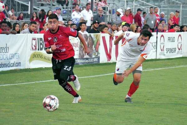 Memo Diaz scored five goals and had six assists this season and was voted by teammates as the Laredo Heat's Offensive Player of the Year. He was also one of three forwards named in the NPSL National XI selections.
