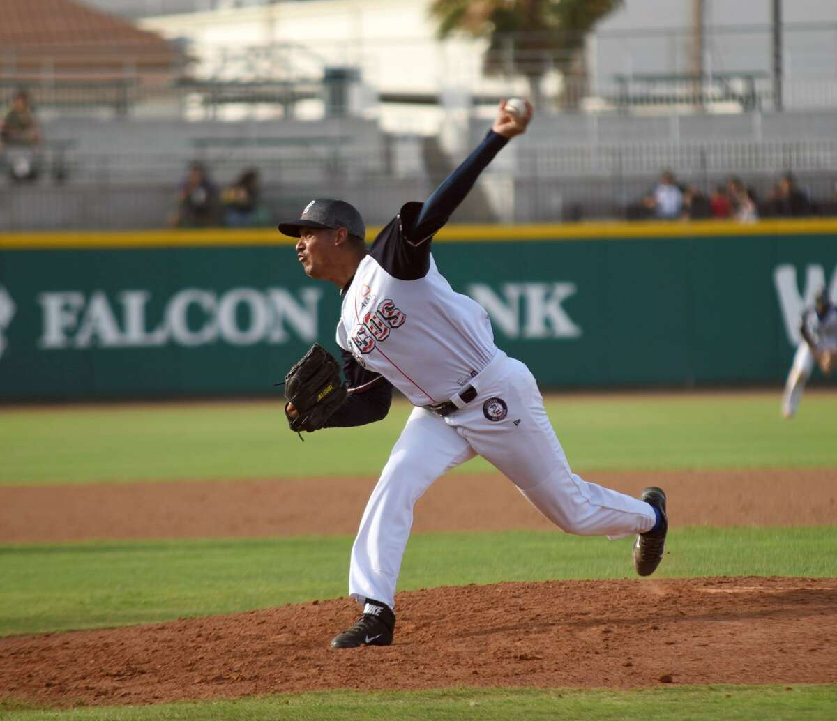 The Tecolotes' Jose Antonio Pena lasted three innings giving up one run on five hits, becoming the sixth starting pitcher in the team's 12 games to fail to throw more than three innings.
