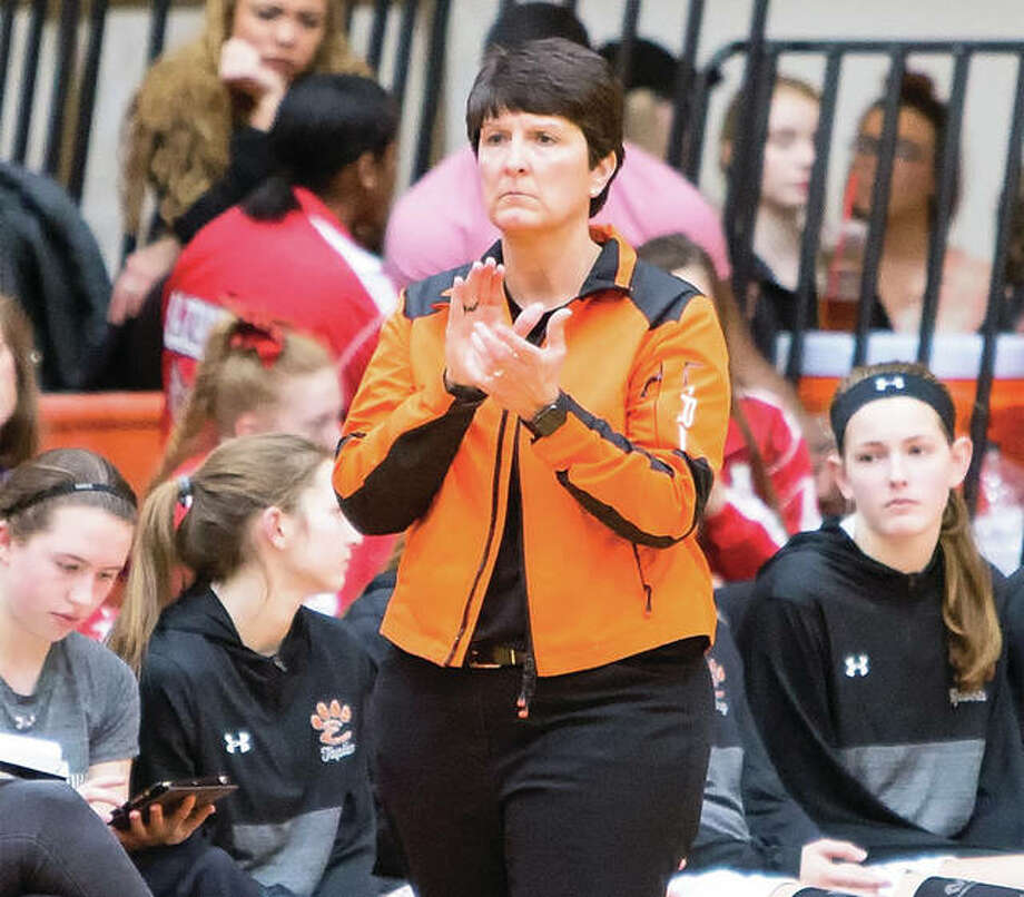 Edwardsville coach Lori Blade encourages her team during a Jan. 12 home win over Alton. The Tigers went on to win a ninth straight Southwestern Conference championship and Blade is the 2018 Telegraph Large-Schools Girls Basketball Coach of the Year. Photo:       Scott Kane / Telegraph File Photo