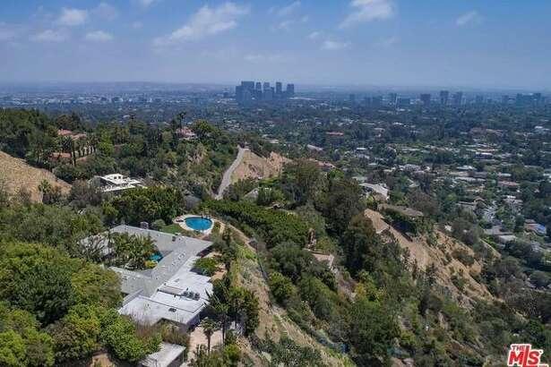 Elizabeth Taylor's former Beverly Hills mansion is on sale for $16 million.