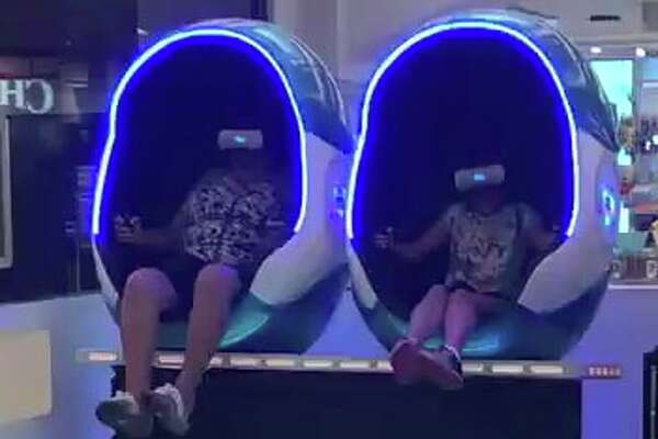 Video of a woman who participated in a virtual reality experience at Mall del Norte on Sunday has gone viral on Facebook.