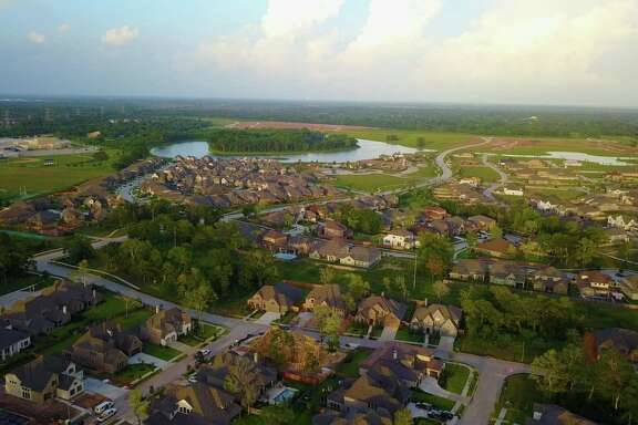 Sienna Plantation is the best-selling community in the Houston area and No. 2 in Texas, according to a recent report released by housing industry research Robert Charles Lesser & Co. (RCLCO).