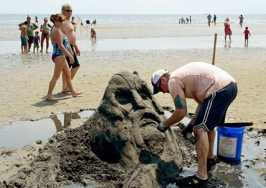 Make sure to not get any sand in your pants as dozens of talented sculptures particpate in the MAC Annual Sand Sculpture Contest on Saturday. Find out more. Photo: Peter Hvizdak, ©2016 Peter Hvizdak