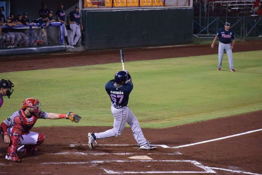 Designated hitter Amaury Cazana hit a two-RBI single in the first inning in a 14-10 shootout to open their road series at Piratas de Campeche on Tuesday night. Photo: Courtesy Of The Tecolotes Dos Laredos